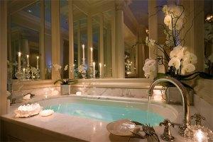 bath-bathroom-beautiful-candles-Favim.com-747877