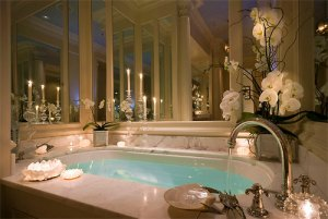 bath-bathroom-beautiful-candles-Favim.com-747877